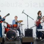 Muzikāli izklaidējoša dienas nometne bērniem un pusaudžiem Rīgā
