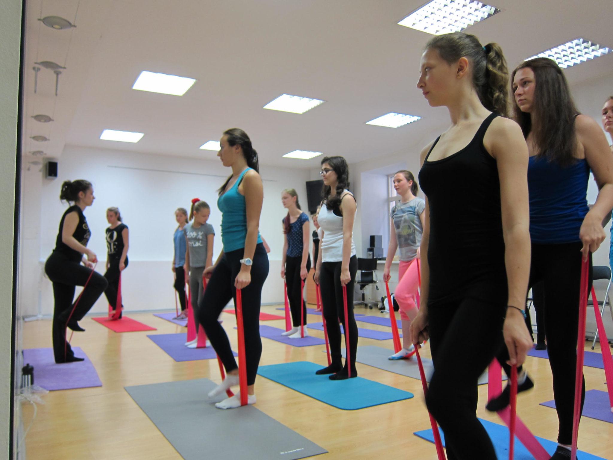Vasaras estētikas skola Rīgā 13-17 gadus vecām meitenēm