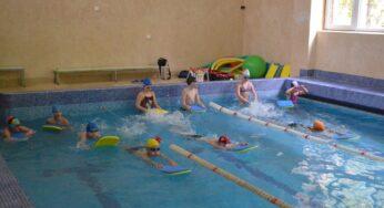 Bērnu peldēšanas nometne pie jūras 2019