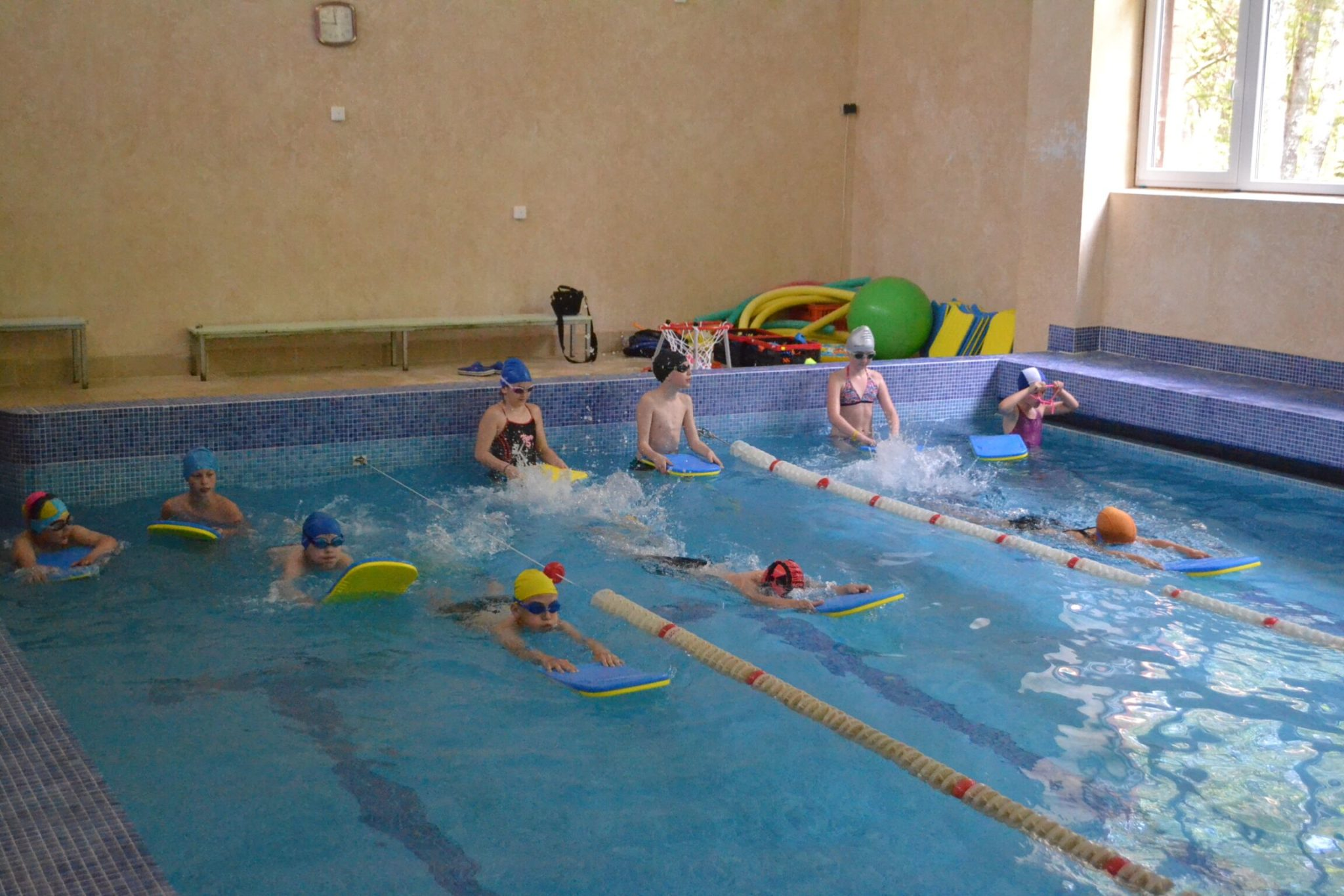 летний лагерь по плаванью