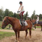 Zirgu jāšanas sporta nometne pie jūras